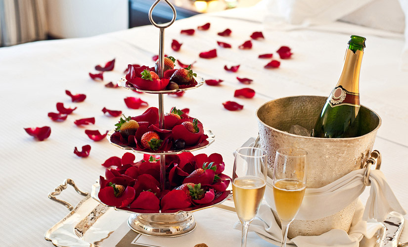 anniversary-flowers-hipper-frances