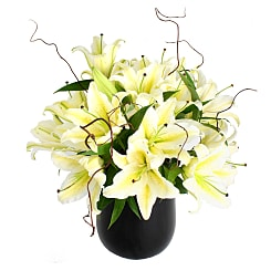 White Lily Bouquet - Hampers