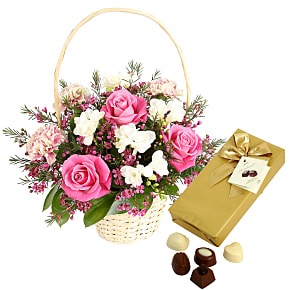 Flower bouquet Raspberry Ripple with Chocolates