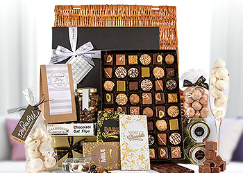 Hampers traditional luxury gift hampers serenataflowers chocolate delivery uk negle Gallery
