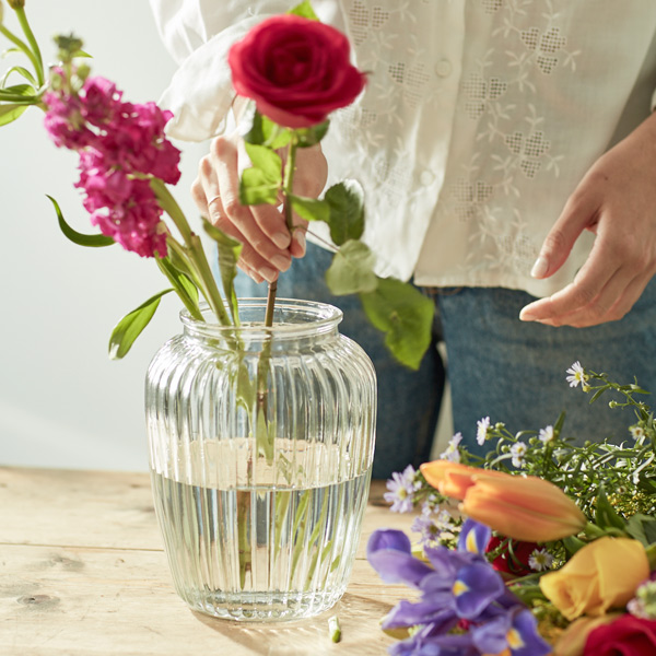Free vase on first delivery
