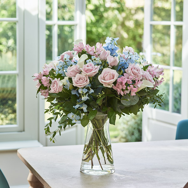 Romantic Flowers Free Next Day Delivery Serenata Flowers
